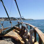 proa de una goleta barco pirata en barcelona