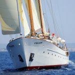 Rent Southern Cross 35 for groups in Barcelona