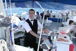 camarero para tus fiestas en alta mar