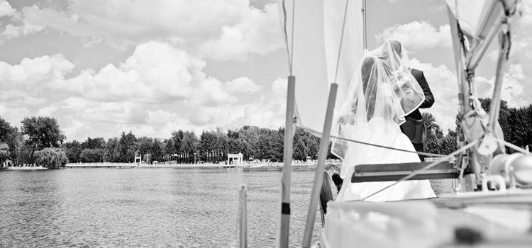 Salida con velero para bodas exclusivas